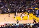 Video: Iespaidīgs danks pāri Karijam nogulda NBA līderi uz grīdas
