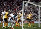 Aizsargs Dosons gūst divus vārtus, WBA pārspēj ''Arsenal''