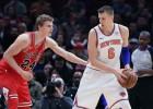 """Porziņģis netrāpa uzvaras metienu, """"Knicks"""" zaudē līgas pēdējai vietai"""