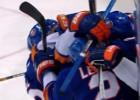 """Video: Pamatlaika izskaņā """"Islanders"""" gūst četrus vārtus un izglābjas"""