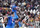 """""""Napoli"""" grandu duelī izrauj uzvaru Turīnā un saasina cīņu par Itālijas titulu"""