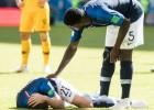 """Francijas aizsargs: """"Pret Austrāliju spēles beigās es pietēloju, lai vilcinātu laiku"""""""