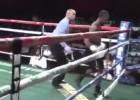 Video: Pēc nokdauna aizmūk no ringa
