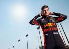 """""""Red Bull"""" atrāda jaunos F1 sacīkšu tērpus un paziņo prezentācijas datumu"""