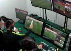 Video: Ķīnas futbola līgā VAR tiesnesis aizmugures līniju meklē ar papīra lapu