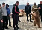 "Video: Nurmagomedovs ""sparingo"" ar lāci"