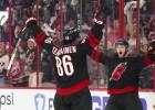 """Video: NHL nedēļas atvairījumos triumfē """"Hurricanes"""" vārtsargs"""