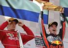 Verstapens netiek sodīts un saglabā uzvaru Austrijas GP