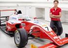 """""""Mercedes"""" palīdzēs igauņu pilotam tiekties uz F1 čempionātu"""