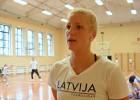 Jursones motivācija atgriezties ir arī Latvijas himnas dziedāšana Latvijas kreklā