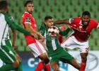 """""""Benfica"""" divu vīru vairākumā uzvar un panāk līderi """"Porto"""""""
