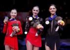 Zagitova pārliecinoši iegūst PČ zeltu, Medvedeva izrauj bronzu