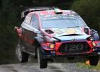 Video: Brīna ekipāža Velsas WRC rallijā piedzīvo iespaidīgu avāriju