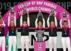 """Mladenoviča divreiz uzvar Bārtiju, Francijai trešais """"Fed Cup"""" tituls"""