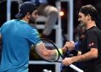 Federers pirmā seta beigās salauž Berretīni, gūst pirmo uzvaru Londonā