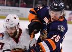 Ābolam kautiņš AHL, Mitenam uzvara papildlaikā Latvijas vārtsargu duelī NCAA