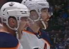 Video: Spēlētājs priecājas par pirmo ripu NHL, taču panākums tomēr netiek atzīts