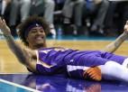 """""""Bucks"""" 12. uzvara pēc kārtas, """"Suns"""" 12:0 pēdējā minūtē, Sabonim 18+14+8"""
