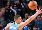 Video: Dončičs Porziņģim palīdz turpināt sēriju NBA labākajos momentos