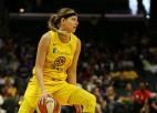 """WNBA spēlētājai pozitīvs """"Covid-19"""" tests pēc atgriešanās no Spānijas"""
