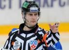 KHL nākamajā sezonā tiesās divi Latvijas arbitri