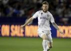 """Losandželosas """"Galaxy"""" atlaiž Serbijas izlases pussargu viņa sievas rasistisko uzskatu dēļ"""