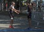 Video: Atlēts pažēlo kļūdu pieļāvušo konkurentu un dāvā viņam vietu uz pjedestāla