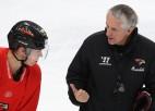 """""""Avangard"""" NHL drafta pirmajā kārtā izvēlēto Činahovu grib noturēt ar jaunu līgumu"""