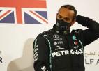 Pasaules čempions Hamiltons inficējies ar Covid-19 un izlaidīs Bahreinas posmu