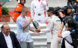Foto: Hamiltons uzvaru Monako svin kopā ar Bīberu