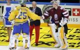 Foto: Hokeja izlase tikai pagarinājumā piekāpjas Zviedrijai