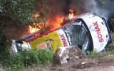 """Video: """"Opel"""" ekipāža iespaidīgi avarē Vācijas rallijā, mašīna aizdegas"""
