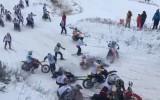 Video: Masveida sadursme skijoringā Ķegumā