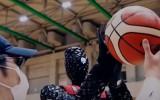 Video: Japānā robots basketbola soda metienu sacensībās uzvar cilvēku