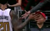 """Video: NBA jocīgākie momenti: spēlētājs """"iebrauc"""" sejā"""
