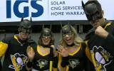 Video: NHL jocīgākajos momentos arī vairāki Betmeni