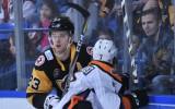 """Komandas biedri slavē Bļugeru un salīdzina viņu ar """"Penguins"""" bijušo kapteini"""