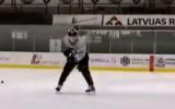 Video: Jauns Latvijas hokejists rāda ripas pārvaldīšanas spējas