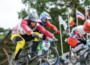 Spēcīgajā lietū un vējā Latvijas BMX braucēji netiek PČ pusfinālā