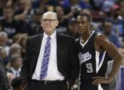 """""""Kings"""" gatavojas atlaist galveno treneri Kārlu"""