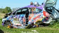 Belokoņa ekipāža Talsu rallijā iznīcina automašīnu