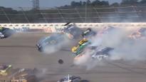 16 mašīnu sadursme NASCAR posmā Talladegā