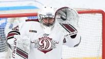 """Rīgas """"Dinamo"""" piekāpjas KHL līderim CSKA un netiek """"play-off"""""""