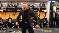 """Makgregors ierodas uz NHL cīņu un iedvesmo """"Bruins"""" spēlētājus"""