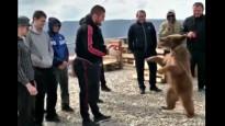 "Nurmagomedovs ""sparingo"" ar lāci"