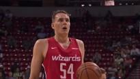 Kurucs un Pasečņiks spēkojas NBA starpsezonas mačā
