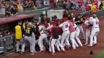 Beisbola mačā izceļas masveida nekārtības