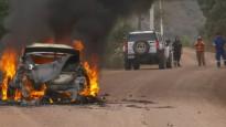 Somu sportistam Meksikas WRC rallijā sadeg automašīna