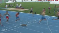 Kaķis iesaistās 100m sprinta sacensībās