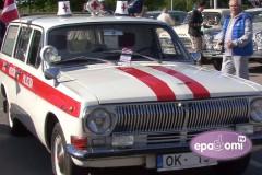 Video: Ar Žiguļiem, Moskvičiem, Volgām un Latvijām startē retro auto sezona